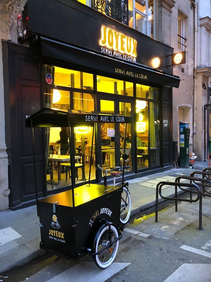 Café Joyeux - Triporteur Vente Ambulante.